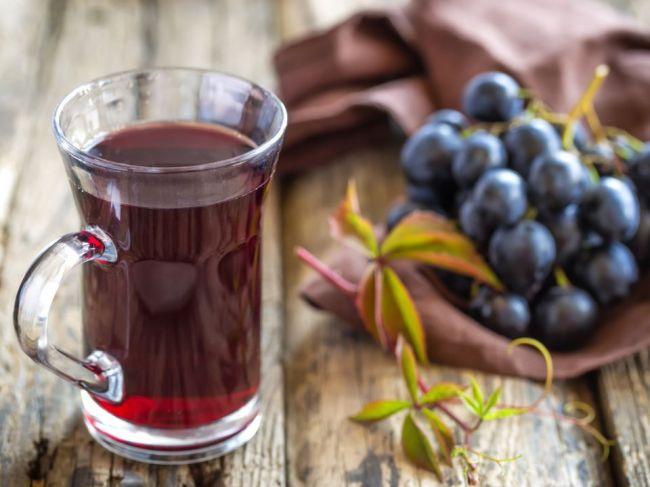 7 nápojov pred spaním, ktoré vám pomôžu schudnúť