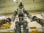 Sojuzu s humanoidným robotom sa zatiaľ nepodarilo automaticky spojiť s ISS