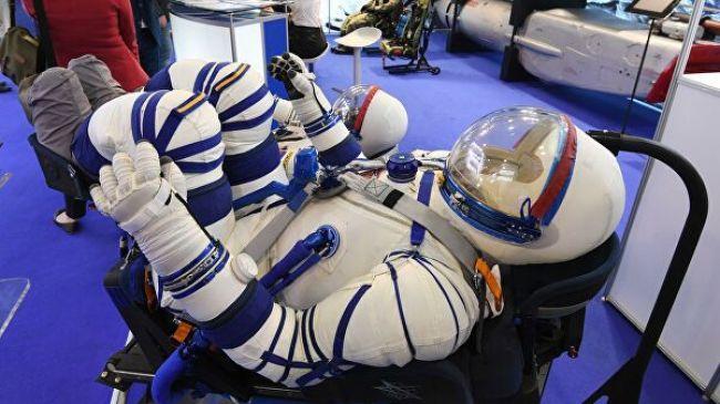 Rusi odhalili nové skafandre. Nemôžu v nich však robiť jednu vec, ktorú zaviedol Gagarin