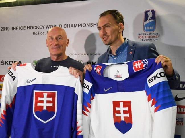 Slovenských hokejistov naďalej povedie Ramsay