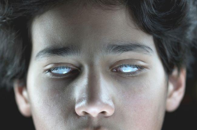 Tínedžer prišiel o zrak a čiastočne o sluch. Na vine bolo jedlo