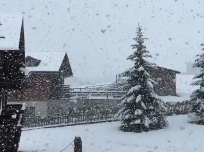 Video: Sneh v septembri - V stredisku napadlo 30 centimetrov