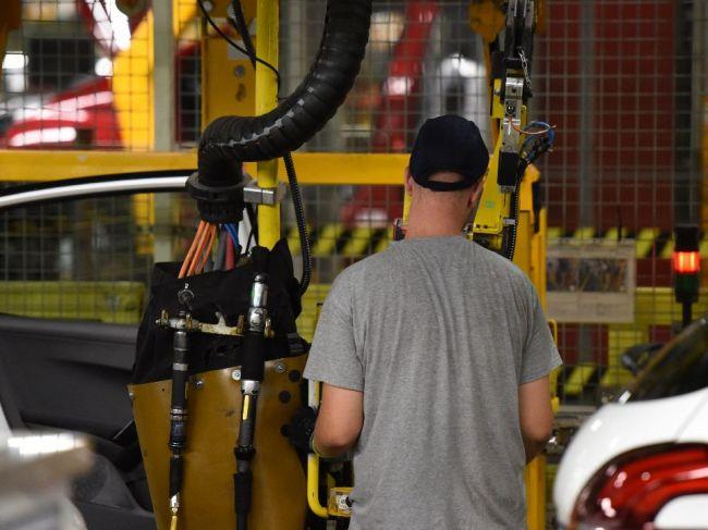 Pellegrini: Vláda pripúšťa ďalšiu investičnú pomoc trnavskej automobilke