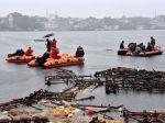 Pri náboženskom rituáli sa utopilo 12 ľudí