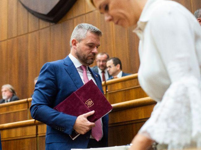 Premiér: Pre mňa je podstatné, že Jankovská už teraz vo funkcii nie je