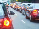 Pred Viedňou je nehoda, z Bratislavy sa vodiči zdržia viac ako hodinu