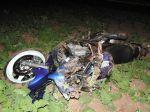 Motorkár nezvládol predbiehanie, skončil v poli