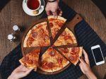 Ľudia v tejto situácii jedia až o 50 percent viac. Ide o inštinkt z čias praveku