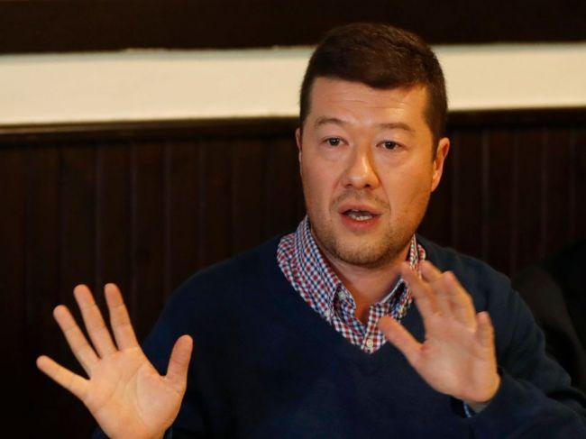 Historik reagoval na status Tomia Okamuru, ponúka bezplatný kurz súčasných dejín