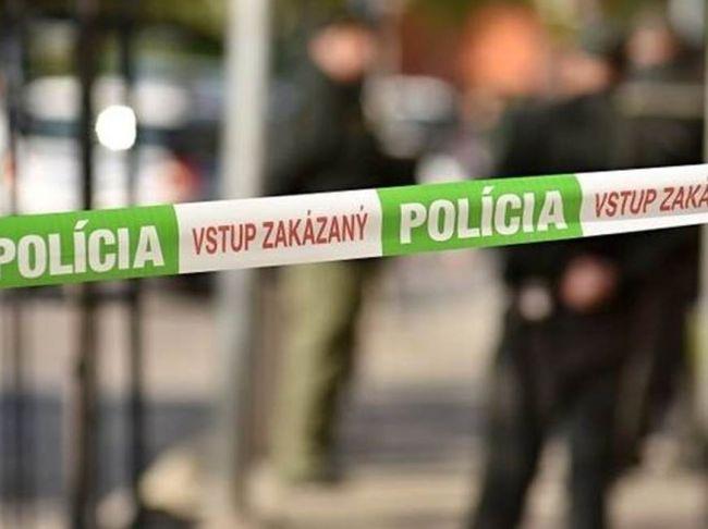 Bratislavskí policajti strieľali na unikajúce auto