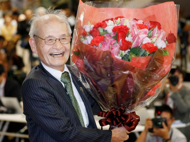 Nobelovu cenu za chémiu získali traja vedci za vývoj Li-Ion batérií