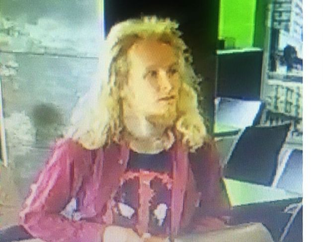Polícia pátra po mužovi, ktorý púšťa do obehu falošné bankovky
