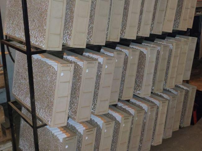 VIDEO: Finančná správa odhalila najväčšiu nelegálnu výrobňu cigariet v strednej Európe