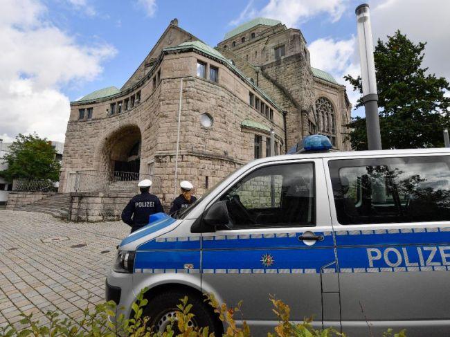 Podozrivý zo streľby v Halle mal v aute štyri kilá výbušnín