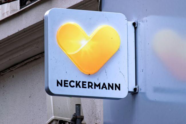 Česká cestovná kancelária Neckermann začala vracať poškodeným klientom peniaze