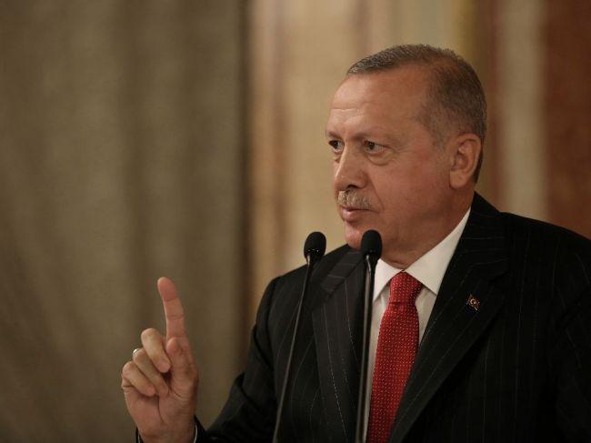 Sily zapojené do tureckej operácie v Sýrii dosiahli kľúčovú diaľnicu