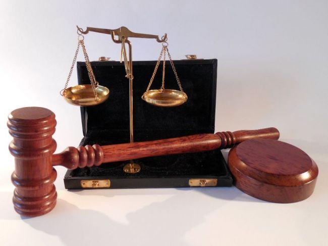 Súd vytýčil nový termín pojednávania s rozhodcami obvinenými z korupcie