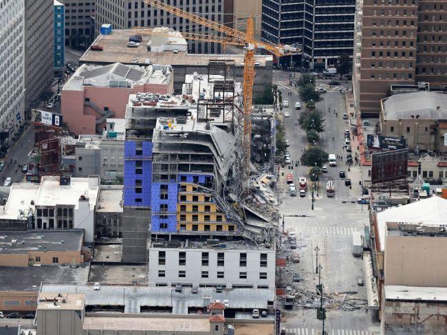 VIDEO: Zrútenie rozostaveného hotela sa skončilo tragicky