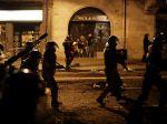 Barcelona má za sebou štvrtú noc násilností