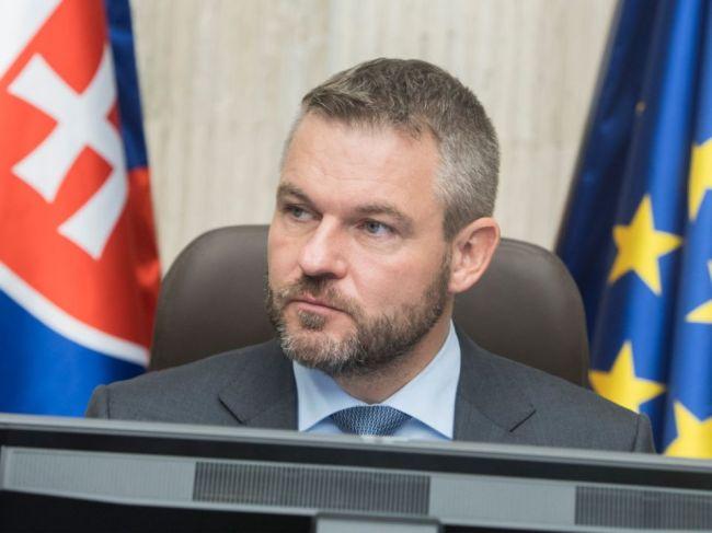 Pellegriniho mrzia Dankove vyjadrenia, odporúča mu venovať sa rezortom SNS