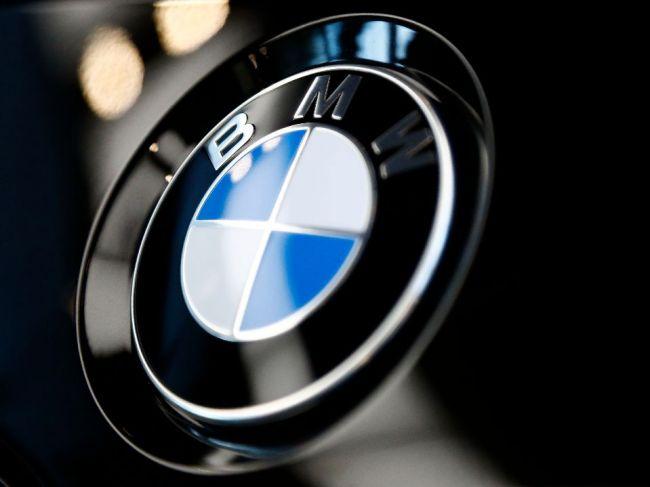 Šéf BMW považuje kritiku voči autám v mestách za oprávnenú