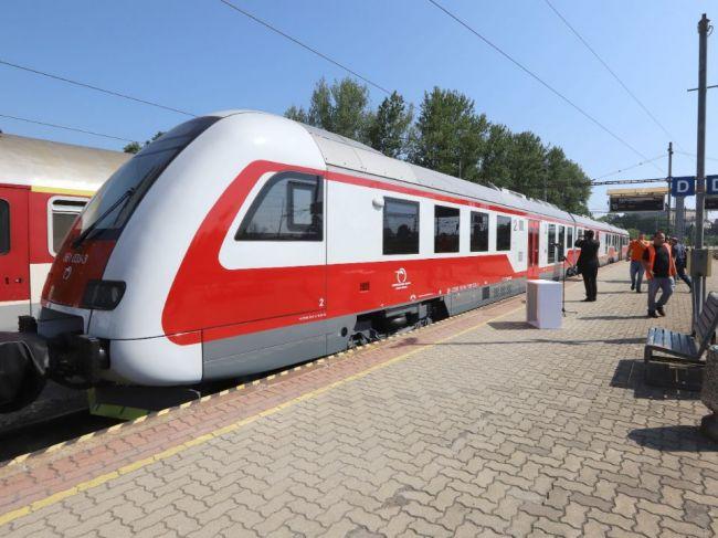 Nedostatok rušňovodičov spôsobuje odriekanie vlakov, ZSSK tvrdí, že situáciu rieši