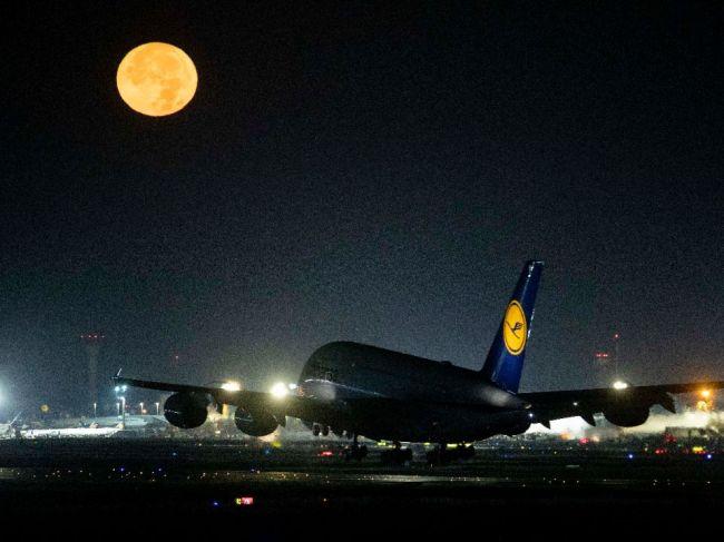 Lufthansa pre štrajk vo štvrtok a v piatok zruší celkovo 1300 letov