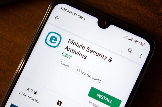 Eset bude chrániť obchod Google Play, stal sa zakladajúcim členom App Defense aliancie