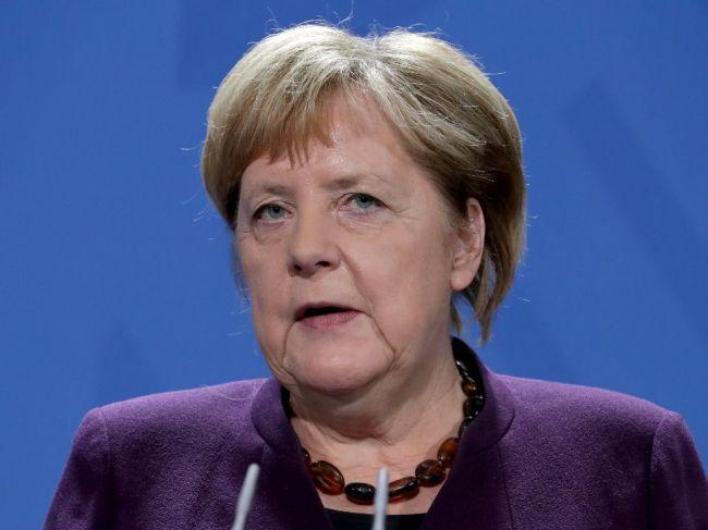 Merkelová nezdieľa Macronovo