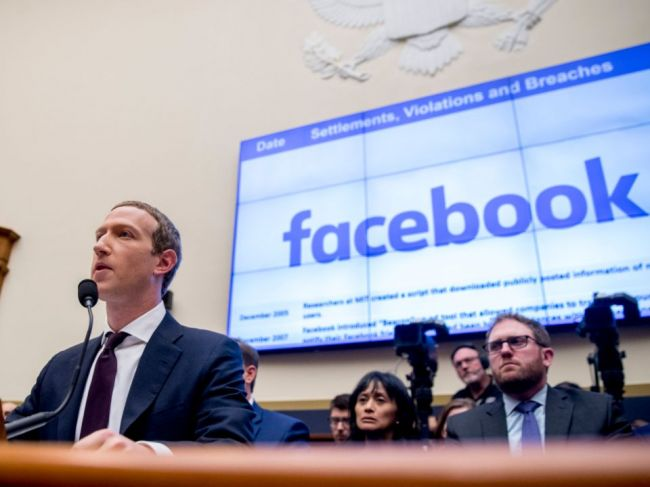 Facebook zverejnil opatrenia na boj s dezinformáciami pred voľbami v USA