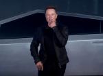 Video: Elon Musk predstavil nové vozidlo. Test skiel nedopadol tak, ako očakával