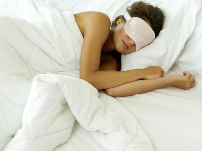 12 vecí, ktoré by si spánkoví experti v spálni nikdy nenechali