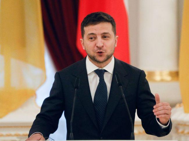 Zelenskyj má pre Donbas plán B, zatiaľ ho však nezverejní