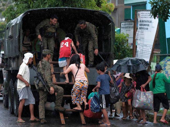 Tajfún Kammuri udrel na Filipíny, 340.000 ľudí museli evakuovať