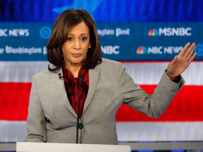 Harrisová odstúpila zo súboja o prezidentskú nomináciu demokratov