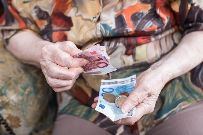 Zmena podmienok pri minimálnom dôchodku naruší zásluhovosť systému, tvrdí opozícia