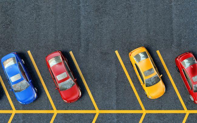 Ako najlepšie zaparkovať na preplnenom parkovisku? Takto vždy nájdete najlepšie miesto