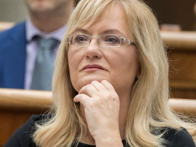 Diskusia k potratom ukončila deň, Smolíková upustila od niekoľkých zmien