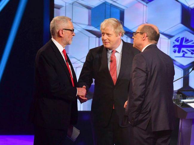 Johnson a Corbyn sa stretli v poslednej televíznej debate pred voľbami