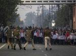 Polícia v Indii strieľala do demonštrantov, hlásia dve obete