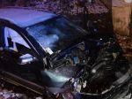 Dopravná nehoda v Harmanci sa skončila tragicky, vodič zahynul
