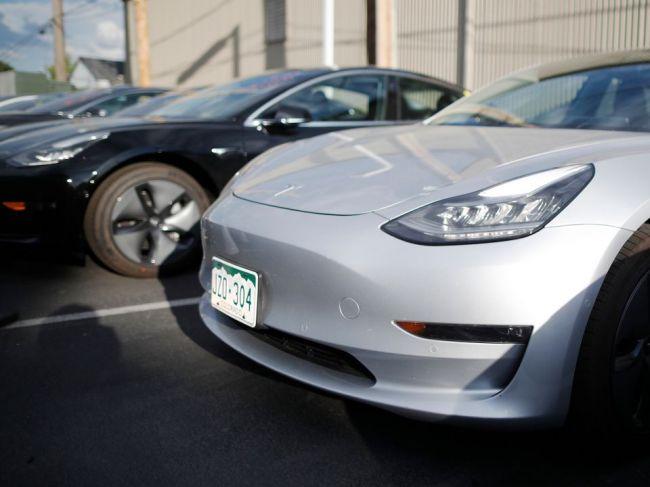 Tesla zvažuje, že zníži ceny Modelov 3 vyrobených v Číne