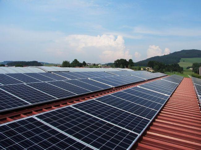 Solárna a veterná energia patria k najlacnejším zdrojom