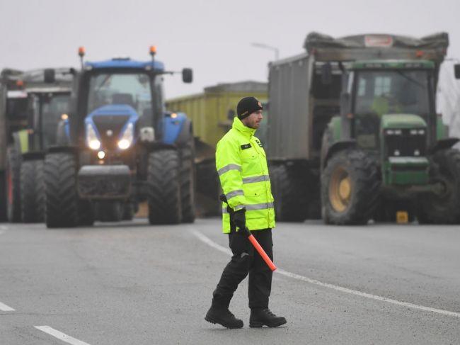 Autodopravcovia sprejazdnili všetky blokované úseky ciest
