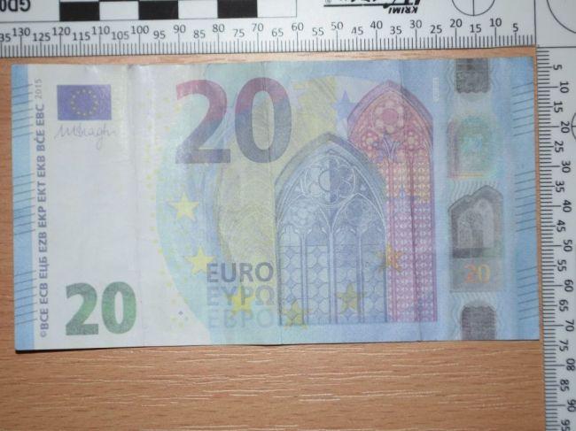 V Brezne sa do obehu dostali falošné 20-eurové bankovky