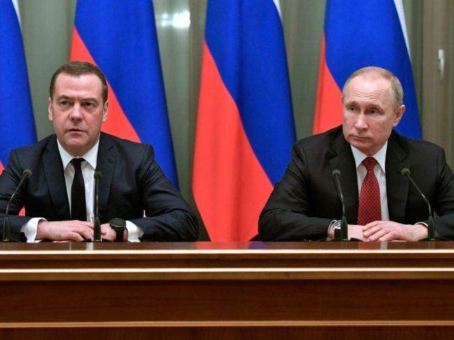 V Rusku padla vláda, premiér podal demisiu
