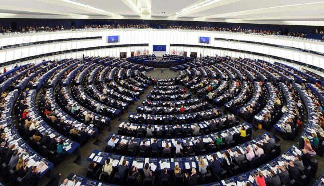 Europoslanci upozornili, že stav právneho štátu v Maďarsku a Poľsku sa zhoršil