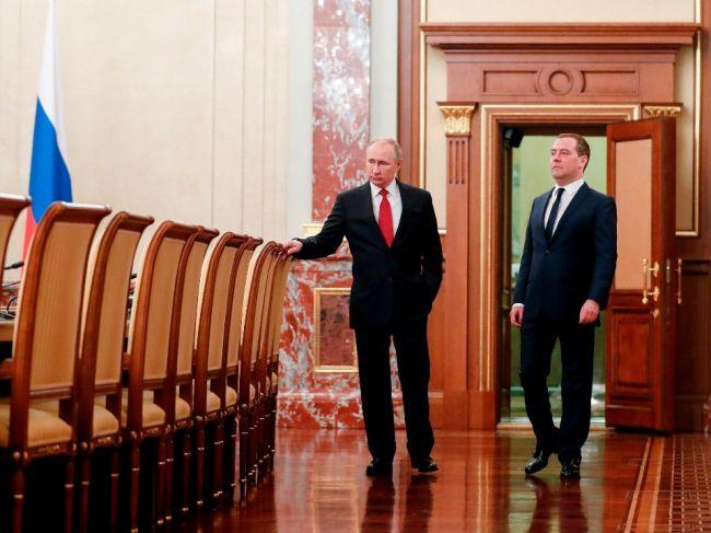 Medvedev zostane lídrom vládnucej strany