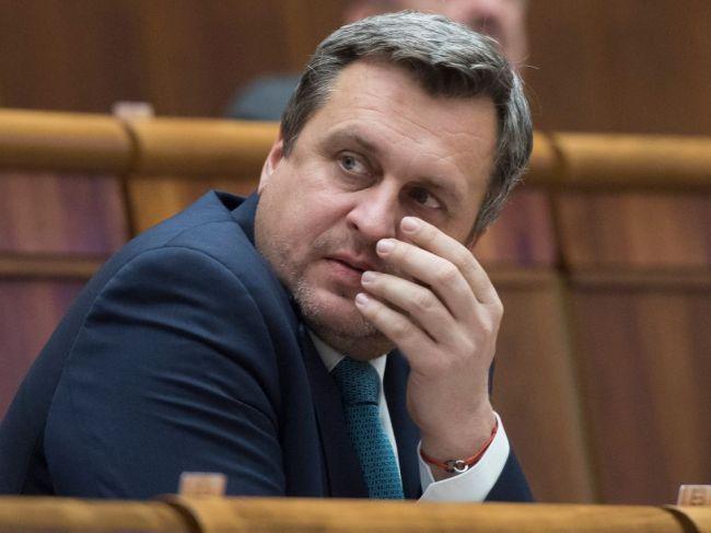 Danko: Medikov treba motivovať, aby zostali na Slovensku