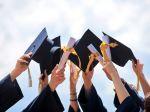 Zamestnávatelia: Vysokoškolské vzdelávanie by sa malo skrátiť na štyri roky